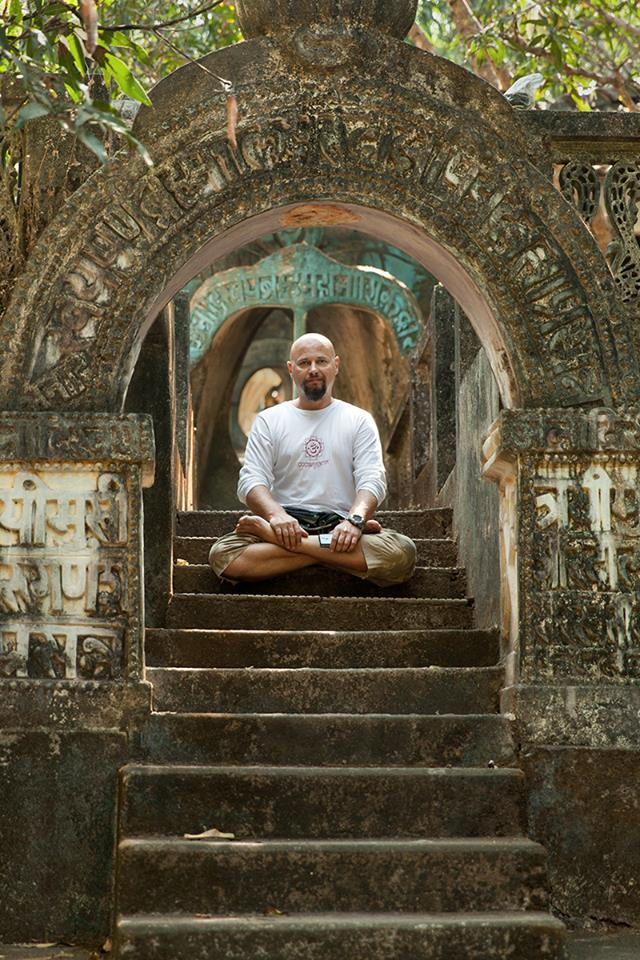 Места в индии для практики йоги